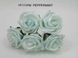 YF111PM OPEN ROSES IN PEPPERMINT COLOURFAST FOAM- BUY 36 BUNCHES PAY 90P A BUNCH