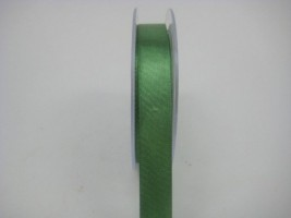 15 MM X 22.5 METRES SATIN RIBBON IN FOREST GREEN- IF QUANTITY IS MORE THAN 10 ROLLS PAY £1.05 A ROLL