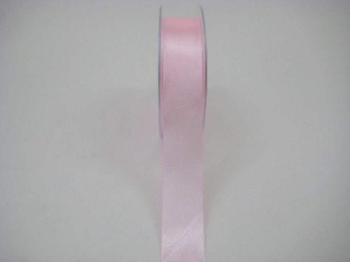 RS25LP 25 MM X 22.5 METRES SATIN RIBBON IN LIGHT PINK- IF QUANTITY IS MORE THAN 5 ROLLS PAY £1.59 A ROLL