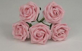 YF149LP  5 X 5CM OPEN ROSE IN LIGHT PINK COLOURFAST FOAM- BUY 36 BUNCHES PAY ONLY 85P A BUNCH