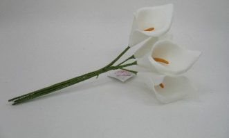 YF35W CALLA LILIES IN WHITE COLOURFAST FOAM
