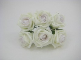 YFB43LIIL 6 x 6 CM IVORY COTTAGE ROSE WITH AN ICED LILAC CENTRE