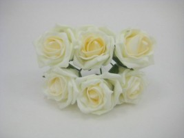 YFB43LIVM  6 X 6 CM IVORY COTTAGE ROSE WITH A VANILLA MIST CENTRE